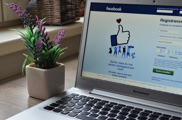 facebook - medium społecznościowe